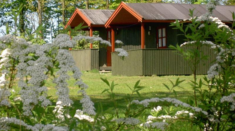 Pakkepris på hytter – samlet pris på ophold og færge